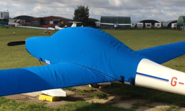 Motor glider covers