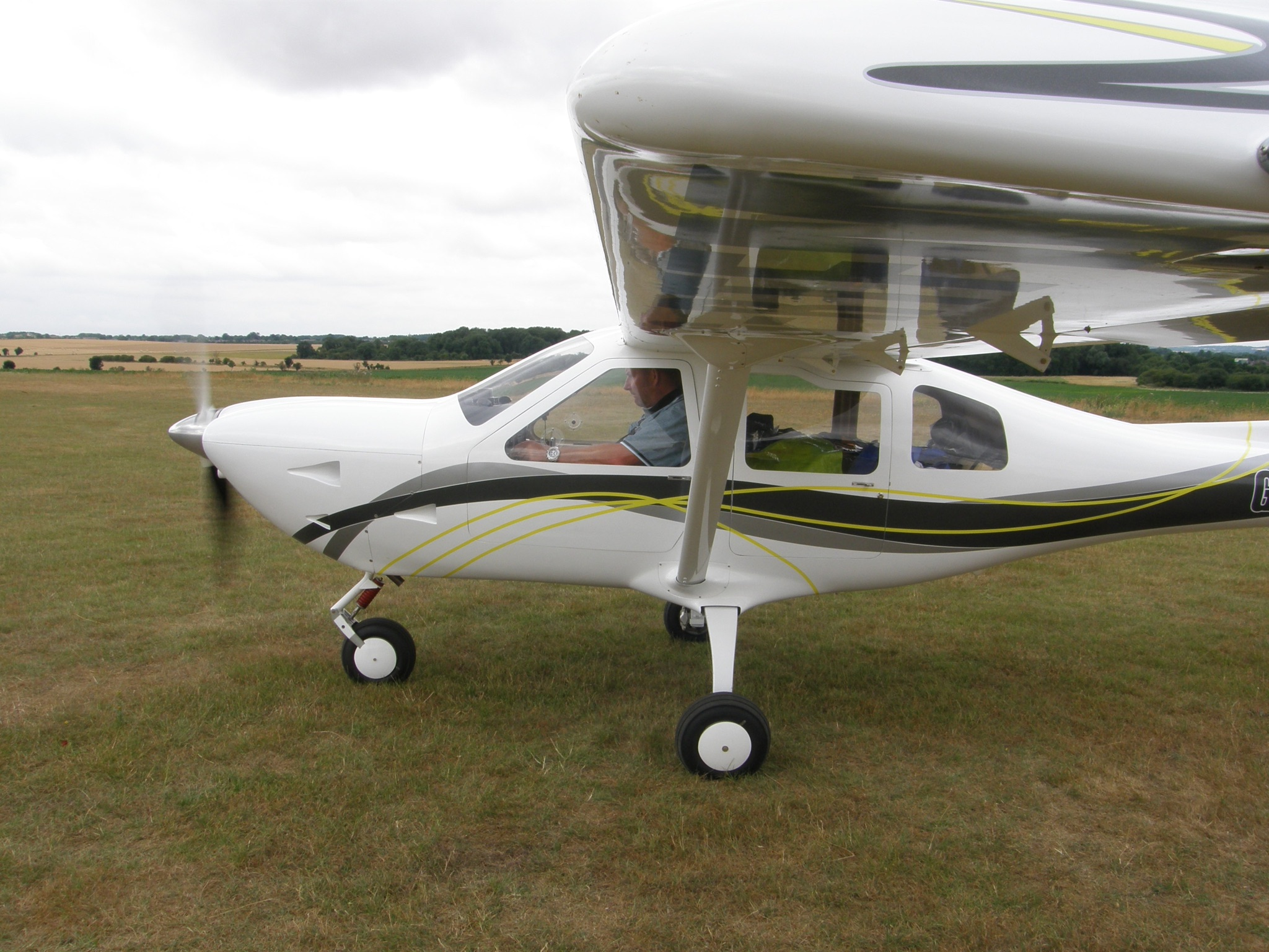Jabiru J400 4 Seat Group A Light Aircraft For Sale £49,995